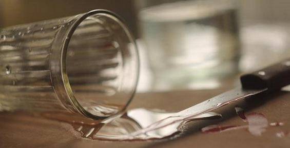 На Камчатке пьяная женщина из ревности к сестре зарезала мужа