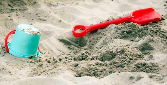 В детских садах Петропавловска прокуратура не нашла чистый песок в песочницах
