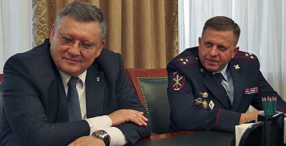 На Камчатке местным полицейским представили нового руководителя управления МВД