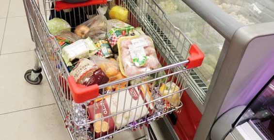 На Камчатке коммерсантов поймали на продаже просроченных продуктов