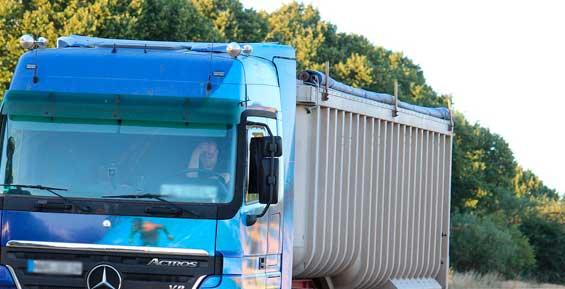 На Камчатке задержали четыре машины, которые везли 50 тонны рыбы без документов