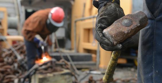 На Камчатке из-за пренебрежения к охране труда электросварщик остался без пальцев