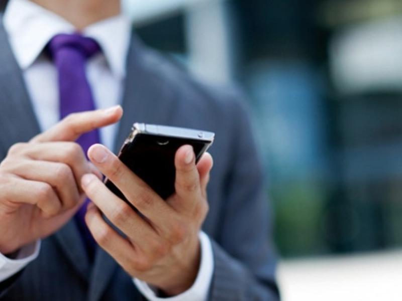 Более 160 млрд р обойдётся перевод чиновников на смартфоны с российской ОС