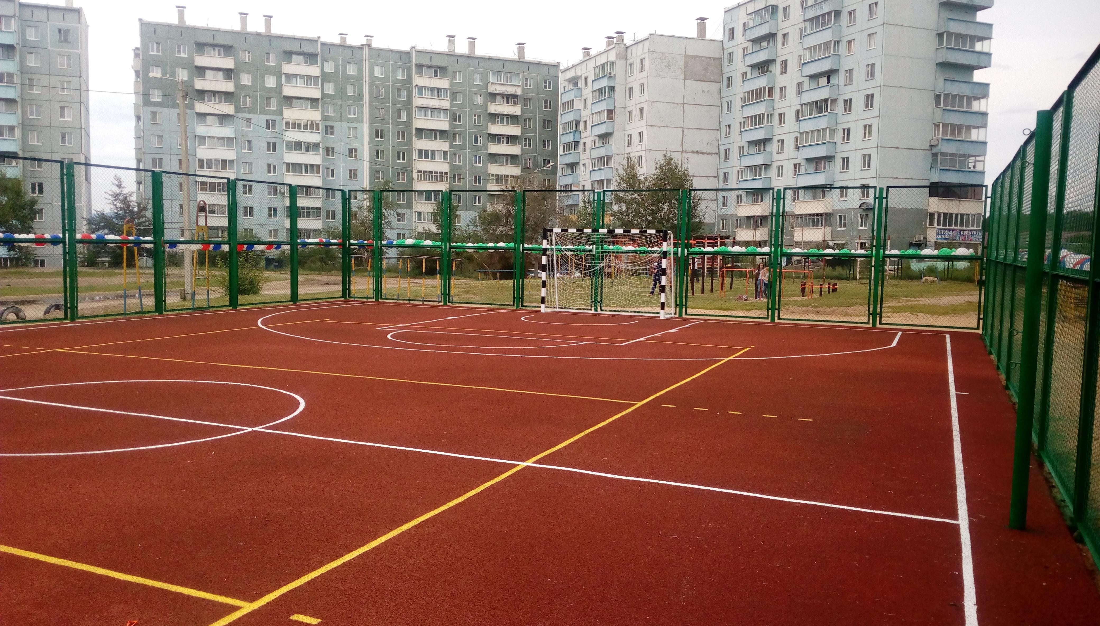 Филонич: Новая спортплощадка в школе №27 будет доступна для всех жителей мкр Северный