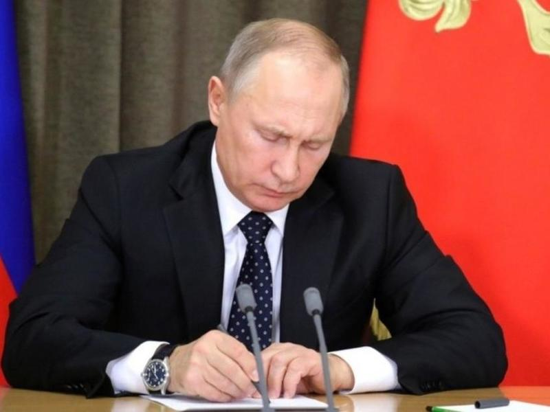 Путин подписал закон о повышении НДС до 20%