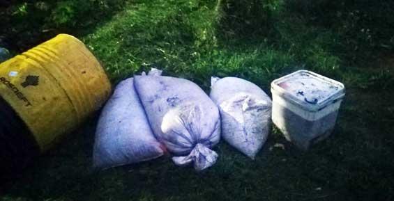 Браконьеры напали на инспекторов рыбоохраны, распылив слезоточивый газ (фото, видео)