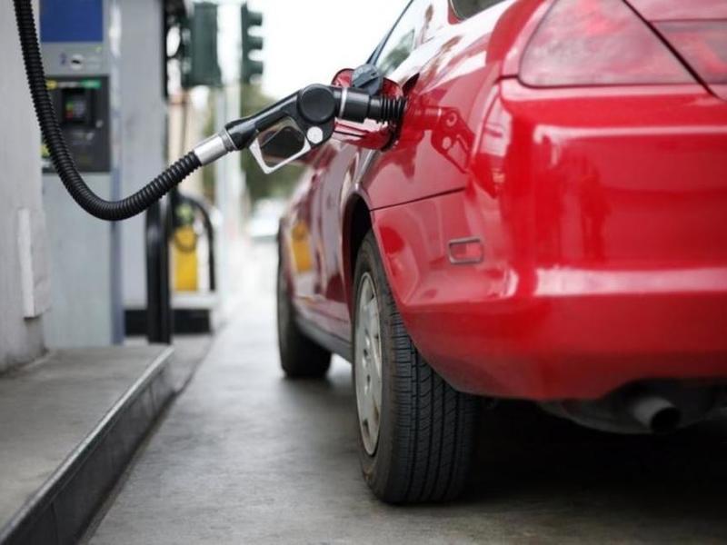 Штрафы за недолив бензина для АЗС хотят увеличить