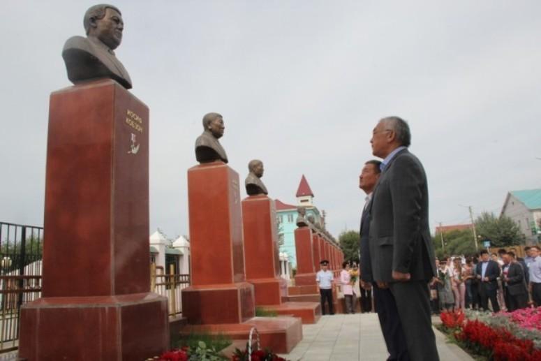Делегация из АБО полетит на прощание с Кобзоном в Москву