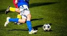 Эксперты объяснили, почему женщинам опасно играть в футбол