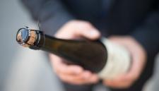 Минимальные розничные цены на коньяк и игристые вина предлагают увеличить