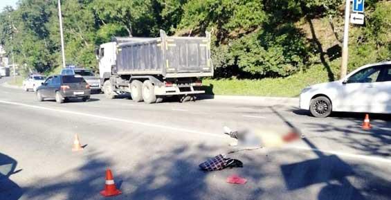 У стадиона «Спартак» в Петропавловске грузовик насмерть задавил пешехода
