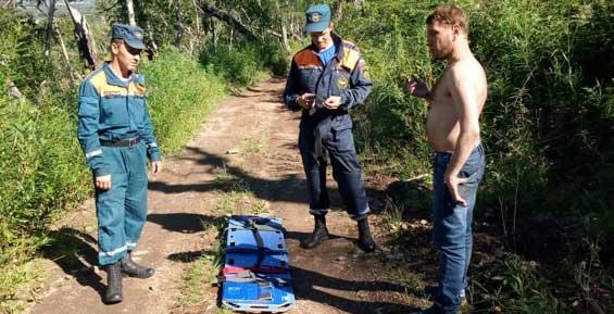 Житель Камчатки поехал с друзьями отдыхать и заблудился в лесу, где бродят медведи (фото)