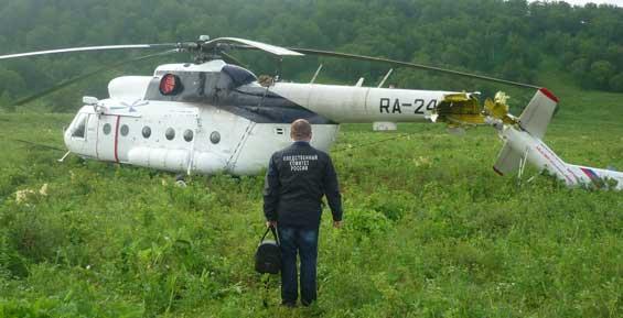 На Камчатке у вертолета при жесткой посадке отвалился хвост (фото)