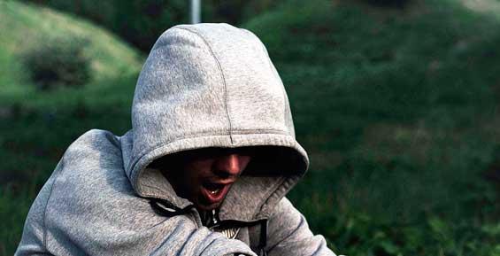На Камчатке осужденный в колонии дал взятку охраннику за наркотики