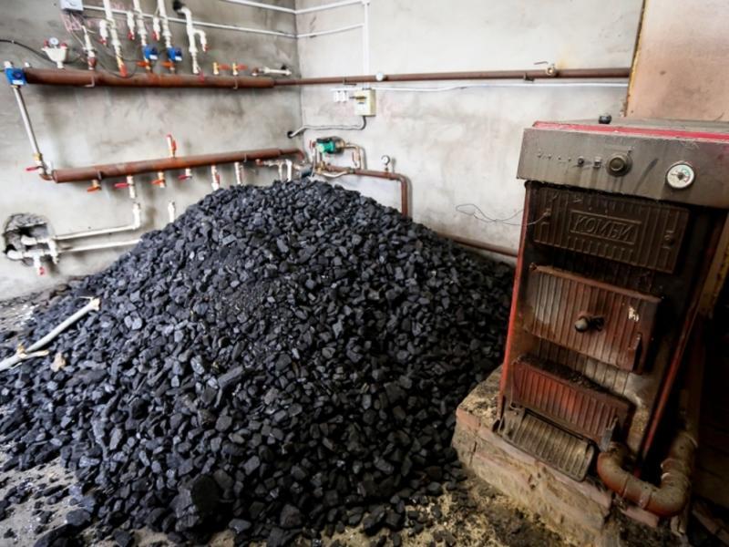 Выделенный для отопления сёл при ЧС уголь уже неделю ждут в Тунгокоченском районе