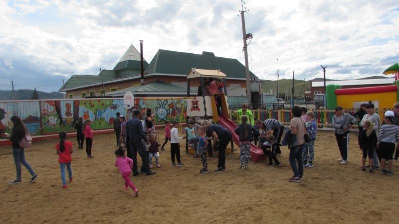 Детскую площадку построили в Дульдурге с помощью гранта в 0,5 млн руб