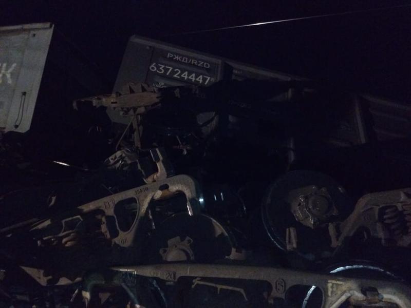 Движение поездов после схода 15 вагонов на ЗабЖД полностью восстановлено