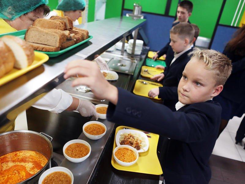 Часть школ и детсадов в Забайкалье кормят детей неправильно