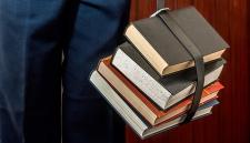 Петербургская учительница пожалела, что назвала учеников «тупыми бедняками»