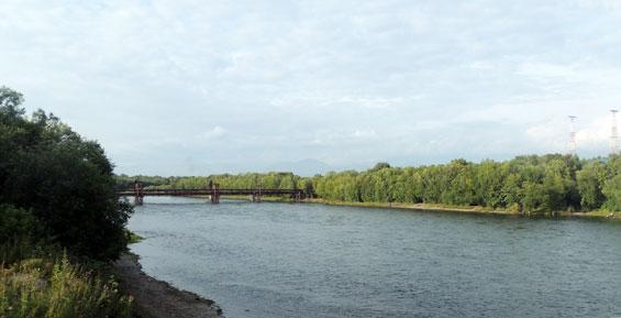 На камчатской реке Авача рыбинспекторы спасли пьяных рыбаков