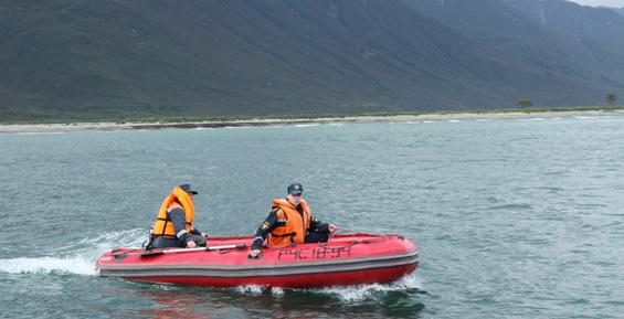 На Камчатке поиски рыбака в акватории бухты Саранной не принесли результата