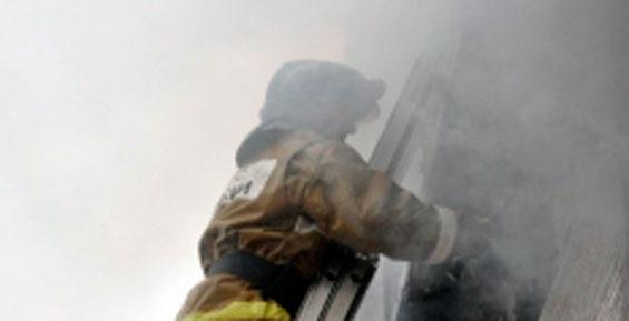 Из-за возгораний в домах на Камчатке эвакуировали 13 человек