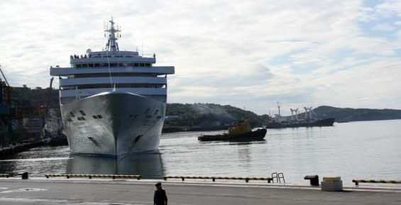 Камчатская таможня впервые оформила круизный лайнер в электронном виде