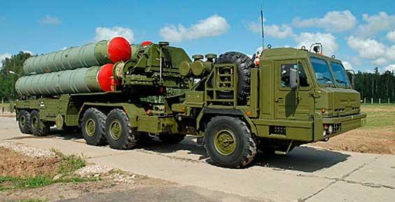 На Камчатке экипажи комплексов С-400 сбили ракету, выпущенную с подводной лодки