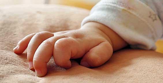 Пьяный житель Камчатки случайно убил своего 6-месячного сына