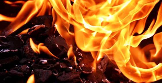 В камчатском селе едва не сгорели почтовое отделение и магазин