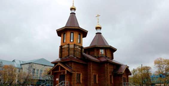 На колокольне храма в камчатском поселке Палана установили колокола
