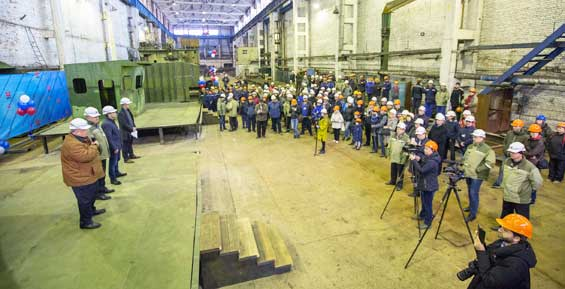 На заводе в Приморье начали строительство двух барж для Камчатки