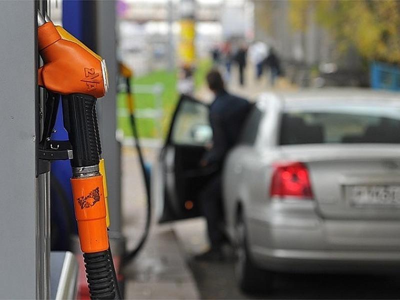 Оптовые цены на топливо в России заморозят до весны