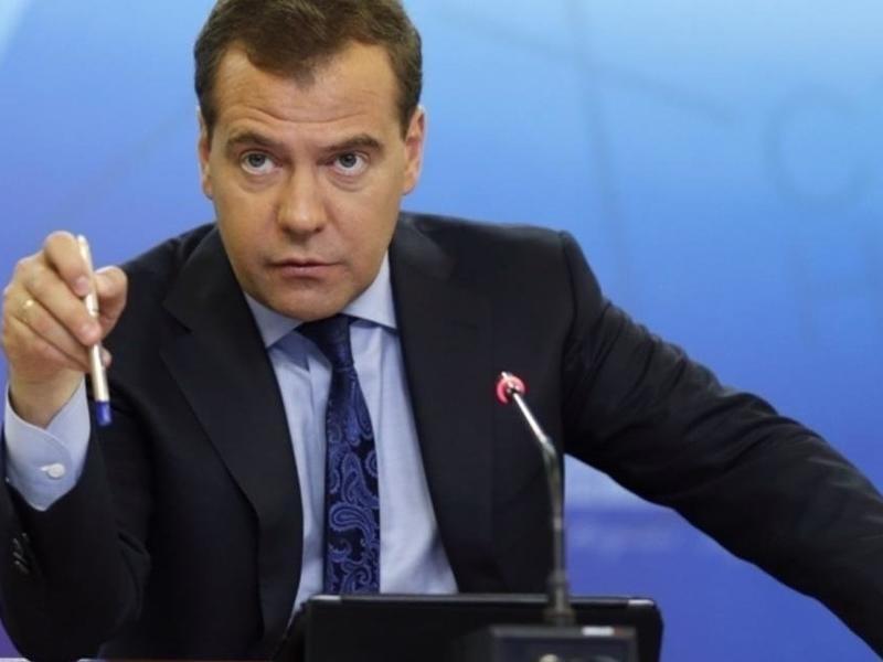 Медведев предсказал появление в России «умных» дорог