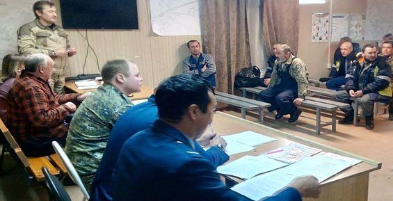 Представитель СКР встретился с бастующими горняками Камчатки