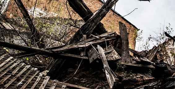 В Петропавловске власти упрекнули семью, что она не уберегла муниципальный дом