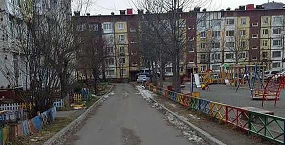 В Петропавловске автохам на внедорожнике наехал на экс-кандидата в депутаты Госдумы