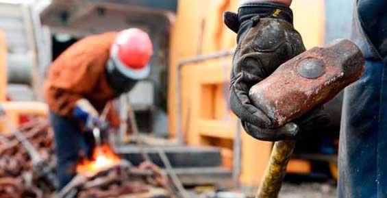 Горнякам «Золота Камчатки» пообещали повысить зарплату на 3%