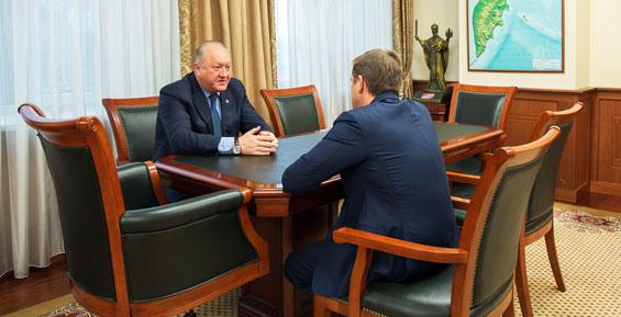 Губернатор Илюхин отметил роль властей в рекордной путине