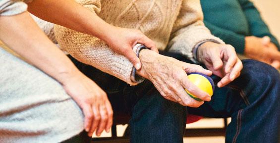 На Камчатке к пожилым супругам, которые хотели покончить с собой, направили психолога
