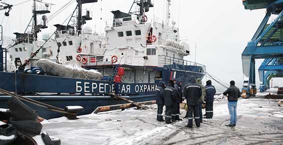 Спасшиеся при крушении судна моряки и пассажиры вернулись в Петропавловск