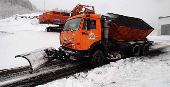 Из-за циклона осложнилась ситуация на дороге в Завойко