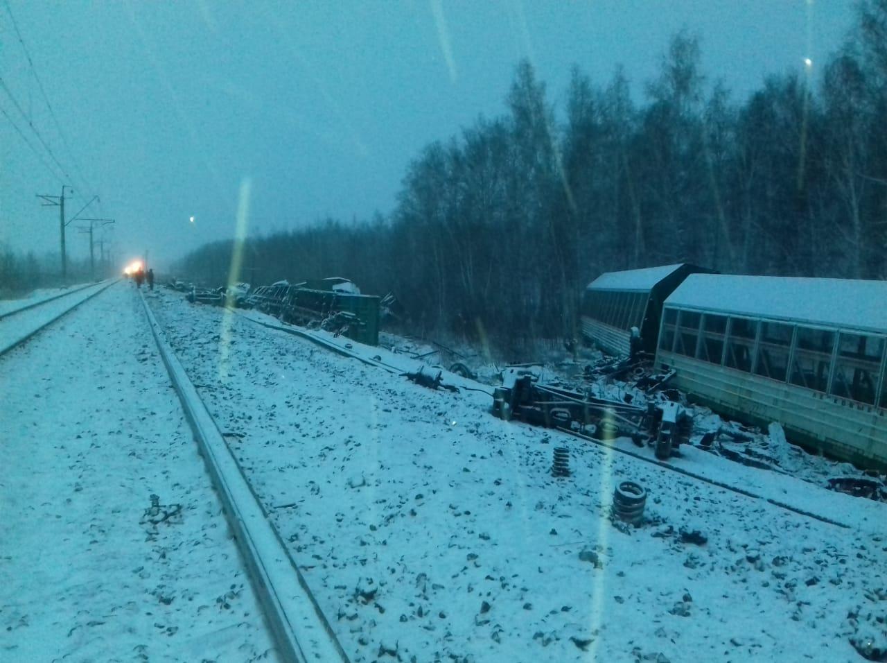 Поезд «Москва - Чита» может задержаться из-за схода вагонов в Омской области