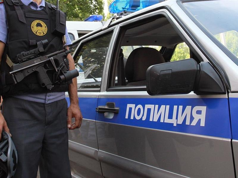 Вскрывать машины и проникать в жилые помещения хотят разрешить полицейским в РФ