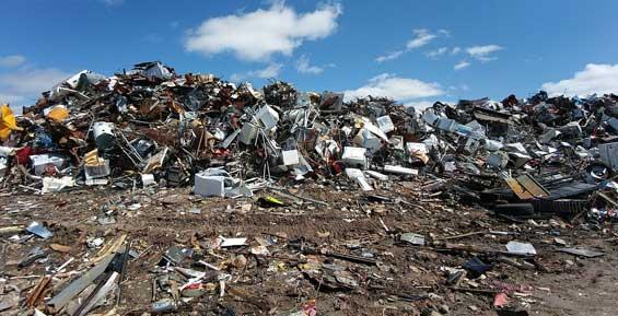 На Камчатке прокуратура напомнила чиновникам о большой свалке