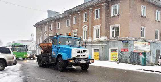 Мэрия Петропавловска обещает вывести завтра технику на улицы с началом снегопада